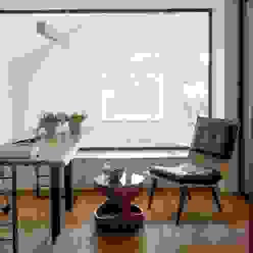 HANDE KOKSAL INTERIORS Modern study/office
