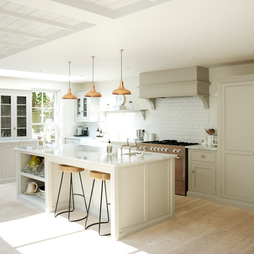 The Clapham Classic English Kitchen by deVOL カントリーデザインの キッチン の deVOL Kitchens カントリー