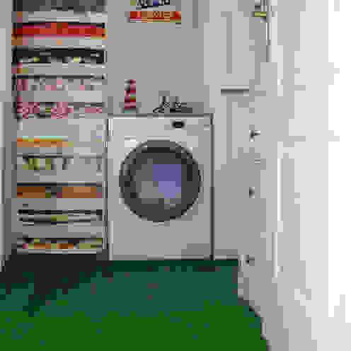 lavadero DISIGHT Cocinas de estilo moderno