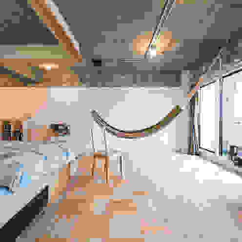 Phòng ngủ theo 吉田裕一建築設計事務所,