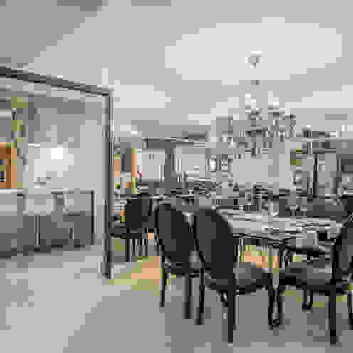 Apartamento em Cascavel Salas de jantar clássicas por Evviva Bertolini Clássico