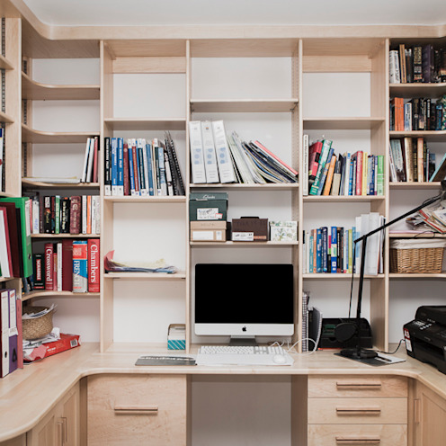 Home office/study:  Study/office by Worsley Woodworking, Modern