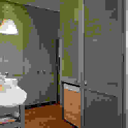 Frentes en rejilla para una buena ventilación DEULONDER arquitectura domestica Cocinas de estilo ecléctico Beige