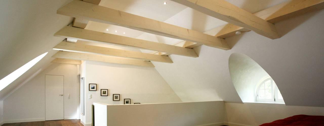 Architektur- und Innenarchitekturbüro Bernd Lietzkeが手掛けた寝室