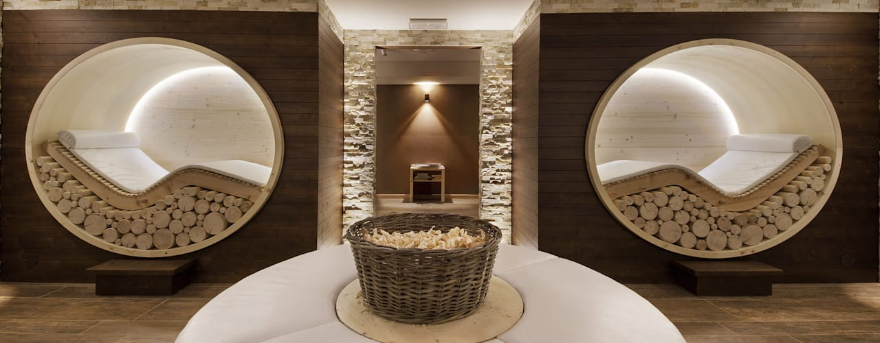 Hotel La Torretta - Spa Il Cirmolo: Spa in stile  di Studio D73