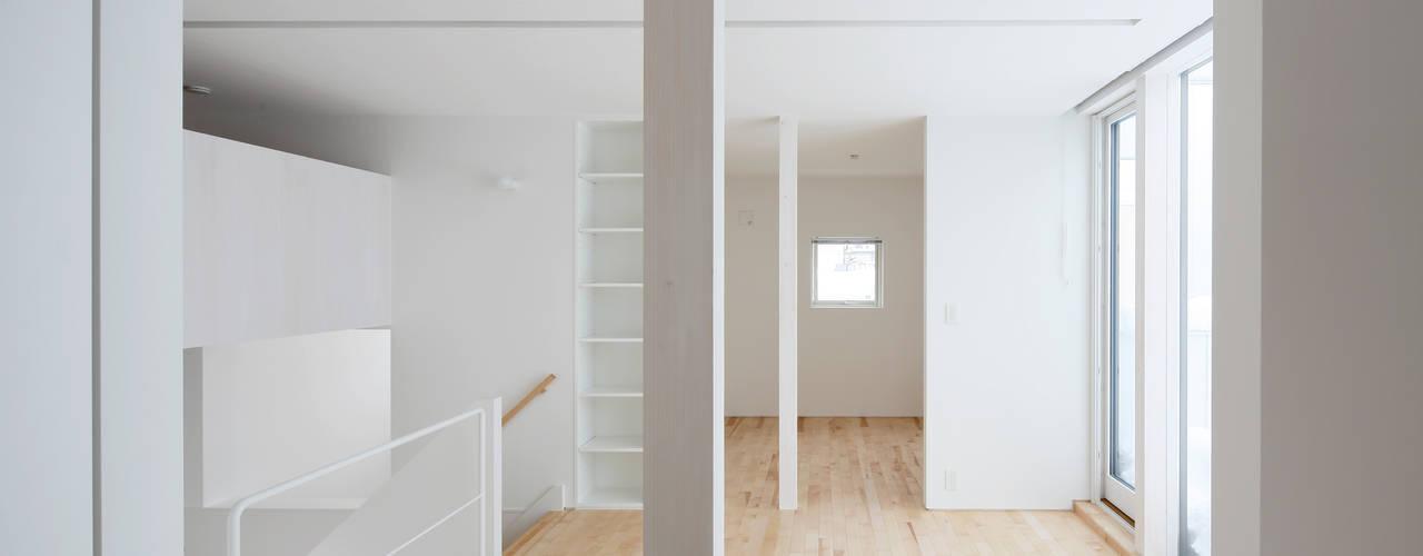 一色玲児 建築設計事務所 / ISSHIKI REIJI ARCHITECTS Dormitorios infantiles de estilo moderno