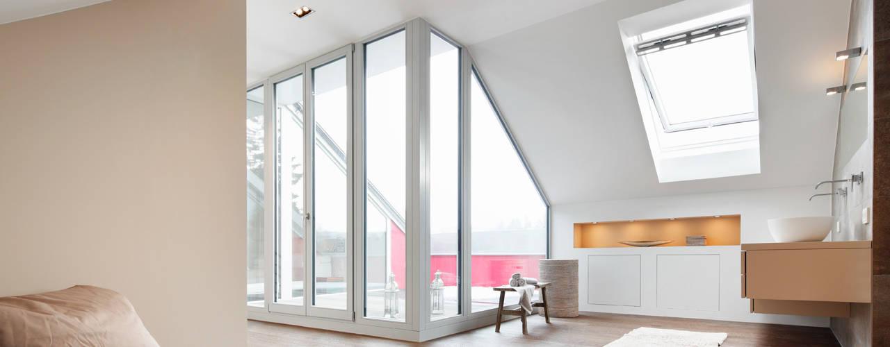 Dachaufstockung eines Einfamilienhauses Klassische Schlafzimmer von WSM ARCHITEKTEN Klassisch