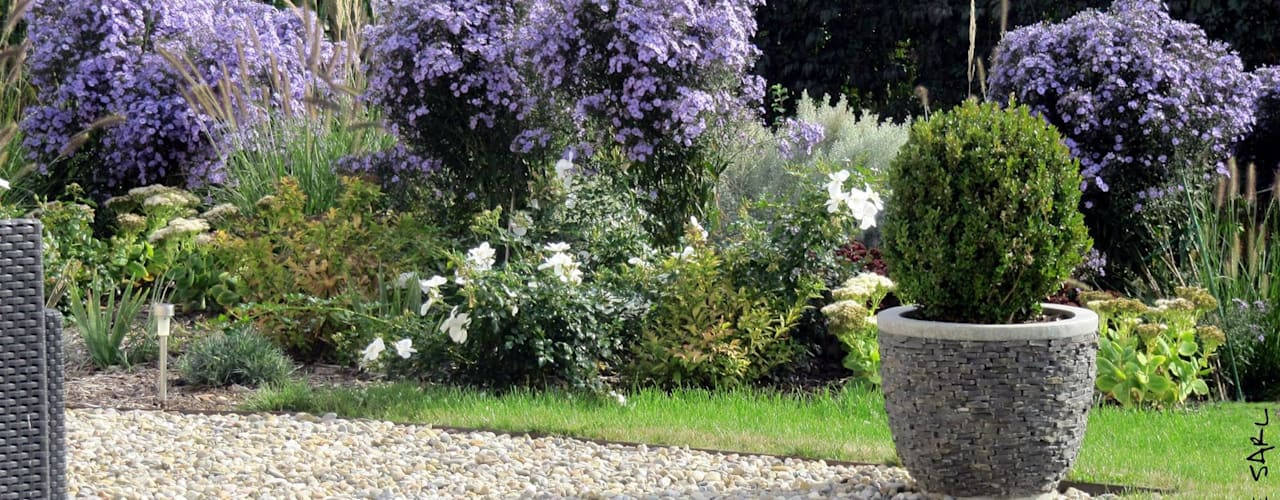 Garden by SCHAEDELE PAYSAGISTE