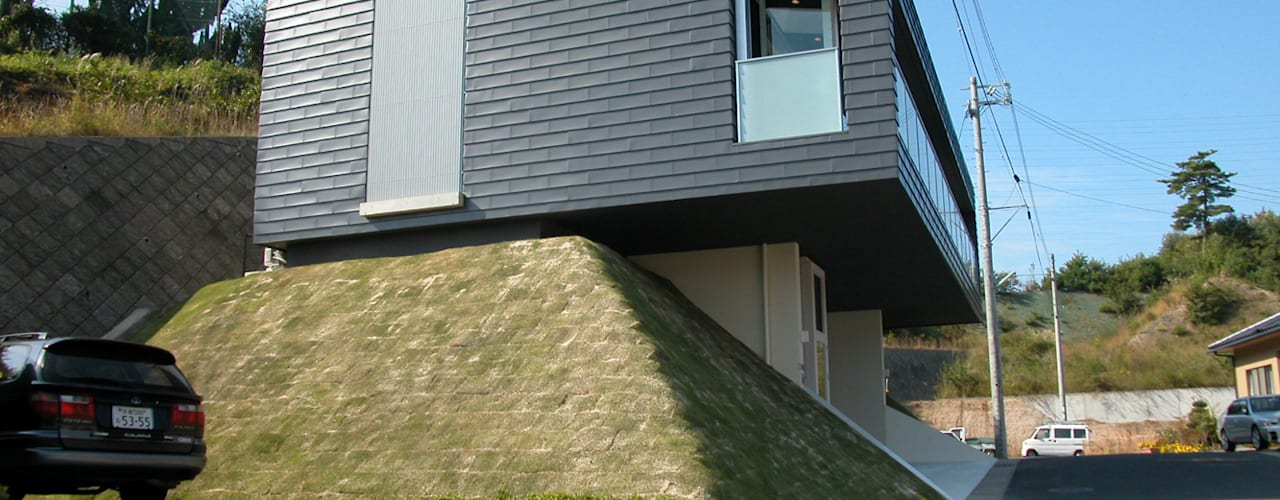 峰山の家: 株式会社ハマノ・デザインが手掛けた家です。,モダン