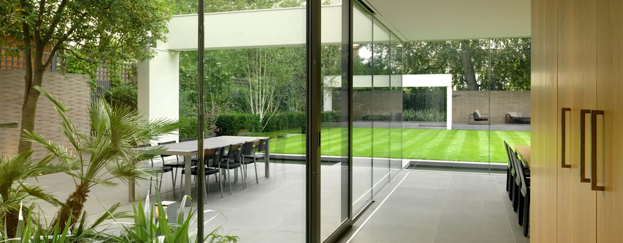 Wimbledon:  Garden by Gregory Phillips Architects, Modern