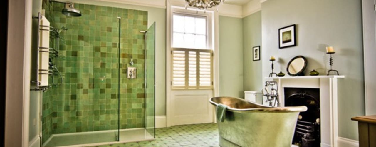 Albany Villas Classic style bathroom by Parker bathrooms & Kitchens Classic