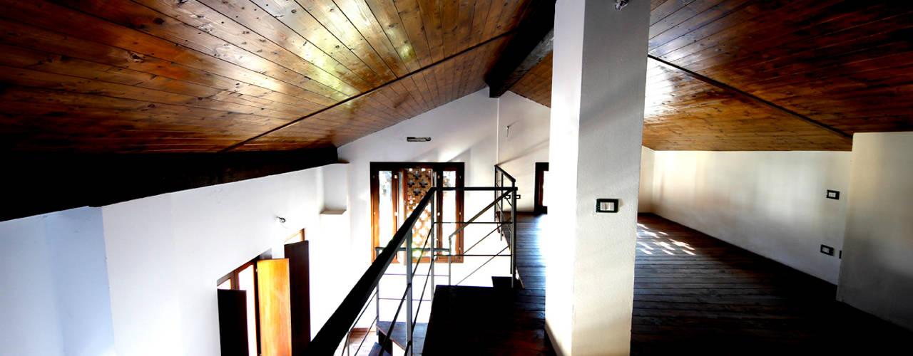 Salas de estilo moderno de Marco Barbero Moderno