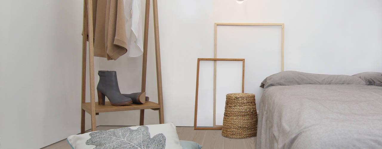 Clapham Common Flat Dormitorios de estilo escandinavo de YAM Studios Escandinavo