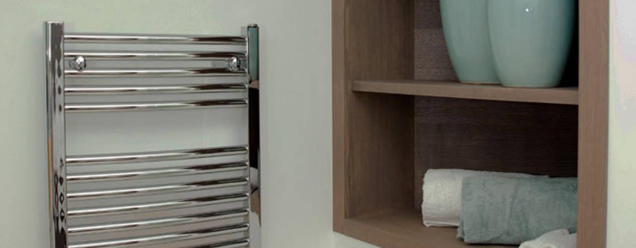 Ванные комнаты в . Автор – Definitive Interior Design