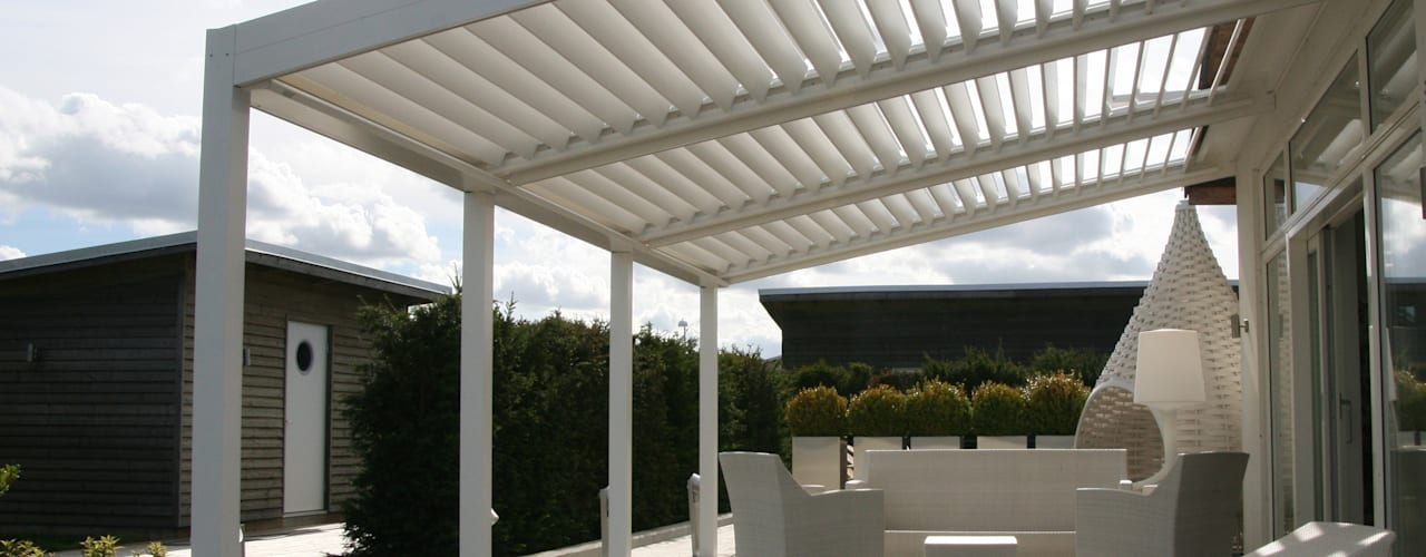 The BIOCLIMATIC Pergola by SOLISYSTEME SOLISYSTEME หลังคาเอียง