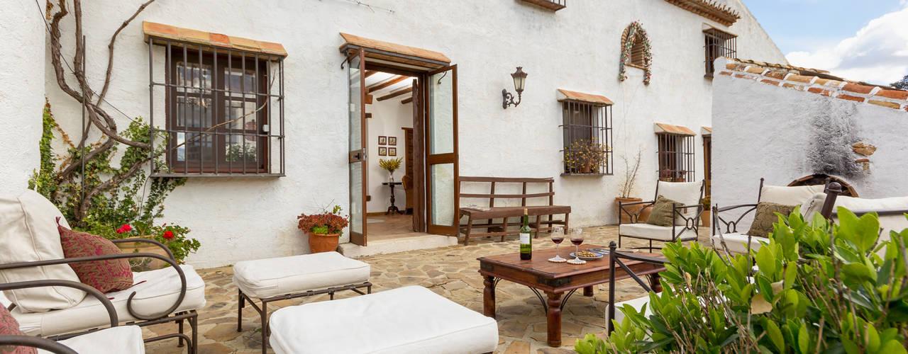 Espacios y Luz Fotografía Rustic style balcony, veranda & terrace
