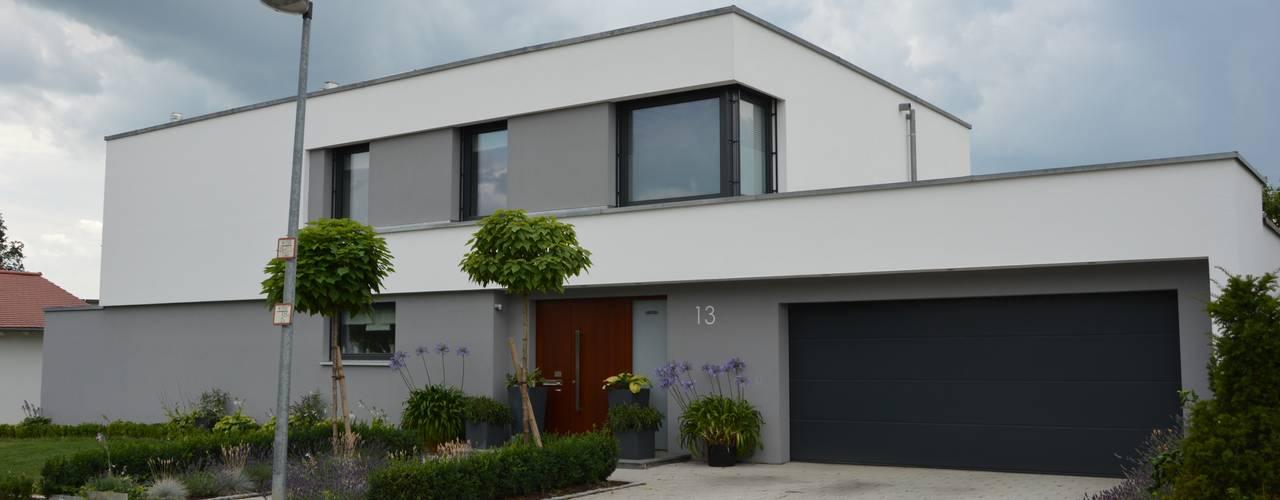 Nowoczesne domy od Architekturbüro Kais und Kais GmbH Nowoczesny