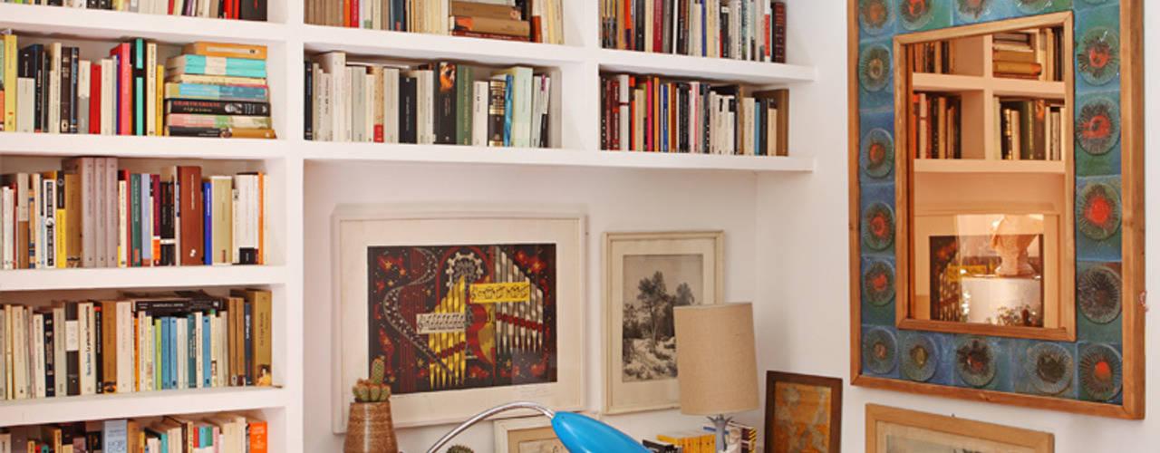 Estudios y despachos de estilo mediterráneo por Casa Josephine