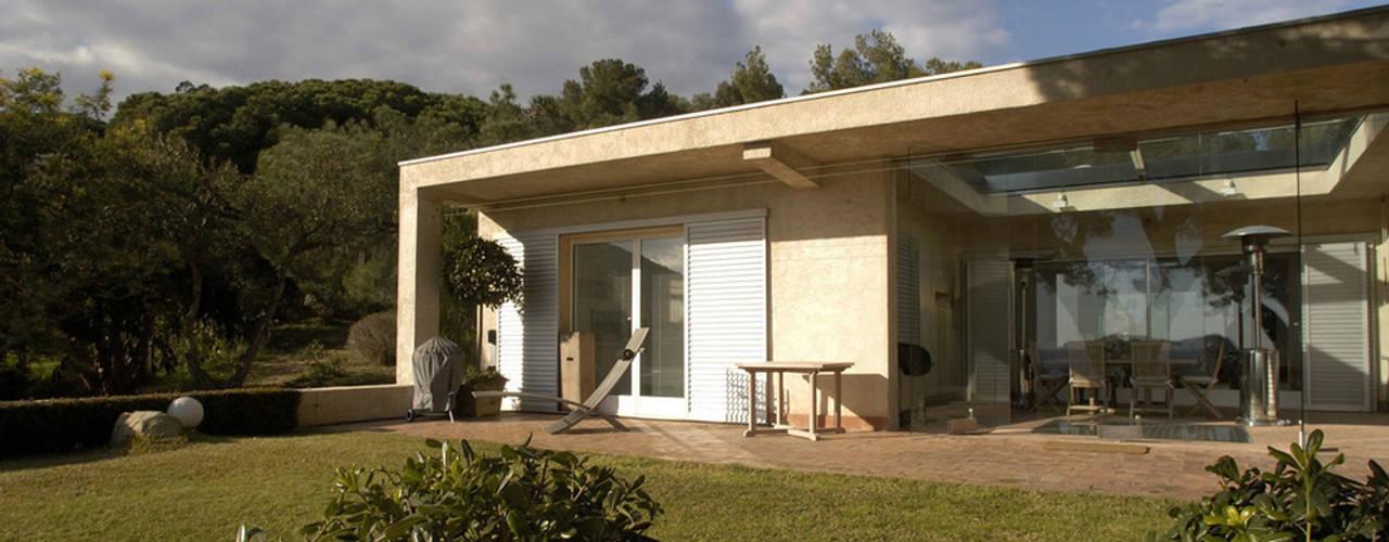 Casas de estilo  por Vincent Coste Architecte