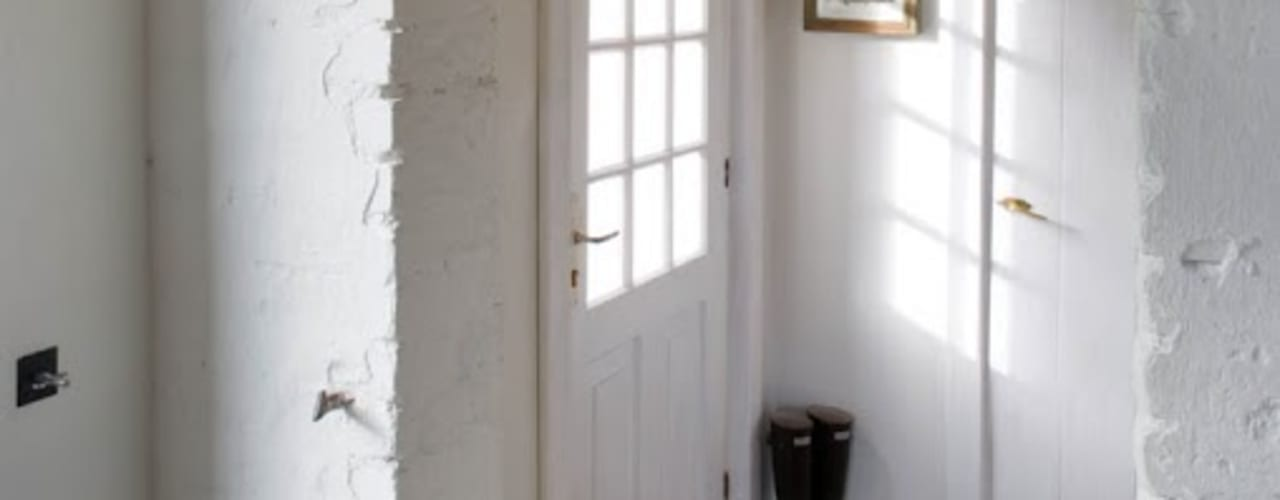 Rustic style corridor, hallway & stairs by AA s.c. Anatol Kuczyński Anna Kuczyńska Rustic