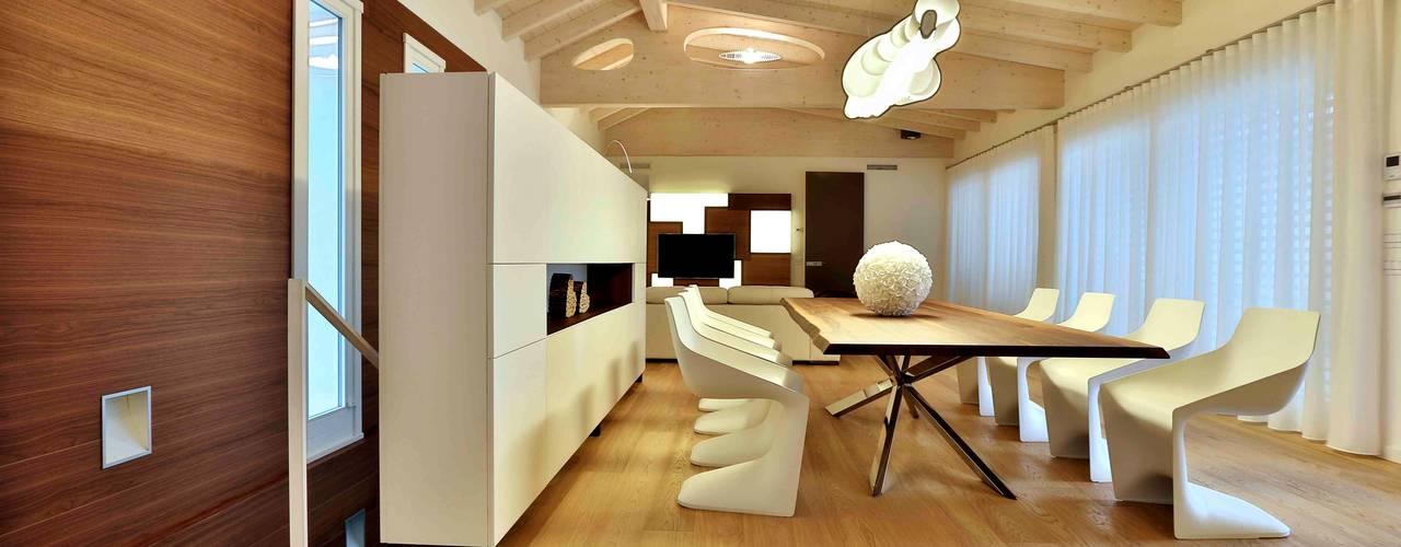 Villa in legno - Cenate (BG) Sala da pranzo in stile classico di Marlegno Classico