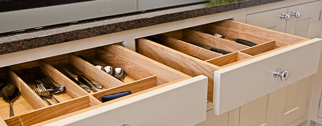 Solid cutlery trays:  Kitchen by Maple & Gray