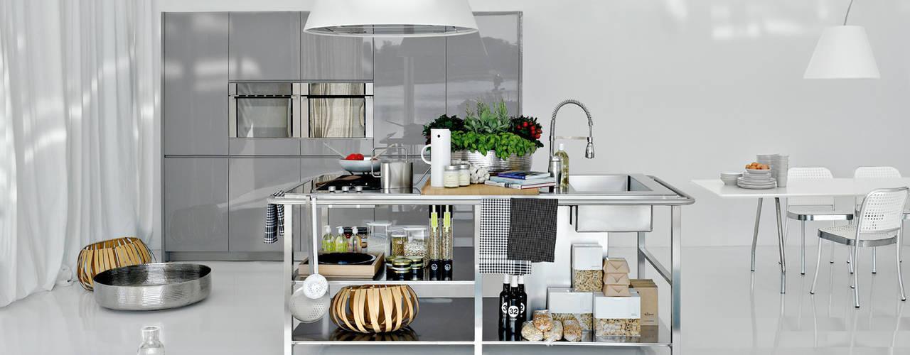 Cozinhas modernas por Versat Moderno