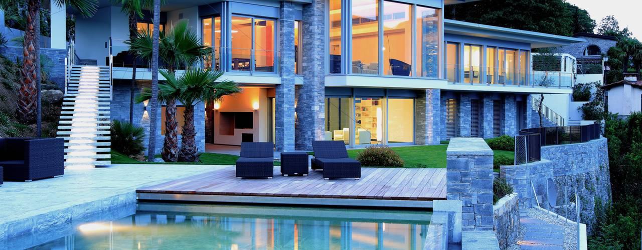 Balcones y terrazas modernos de Aldo Rampazzi Studio di Architettura Moderno
