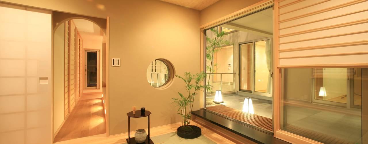 最高のおもてなしを実現する客間: TERAJIMA ARCHITECTSが手掛けた和室です。