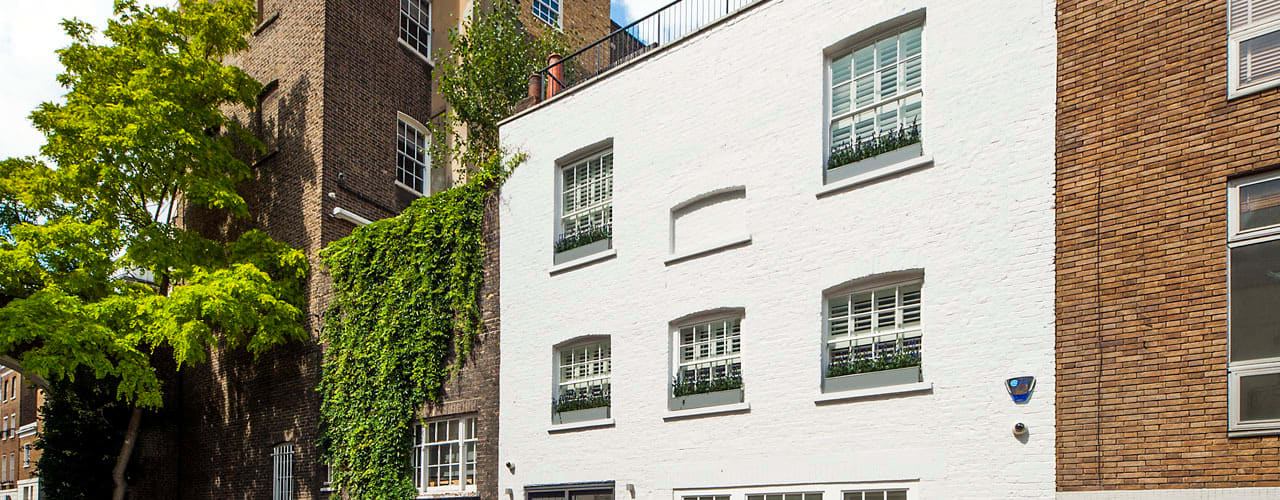 Belgravia Mews House: modern  by Landmass London, Modern