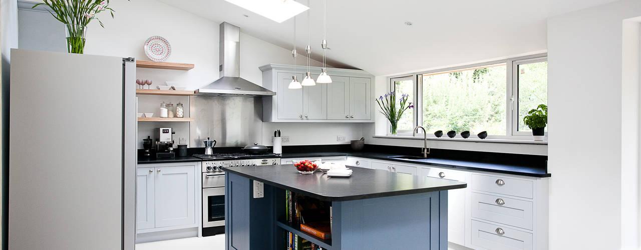 modern Kitchen by Maple & Gray
