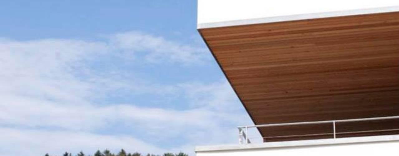 Rumah Modern Oleh Marty Häuser AG Modern