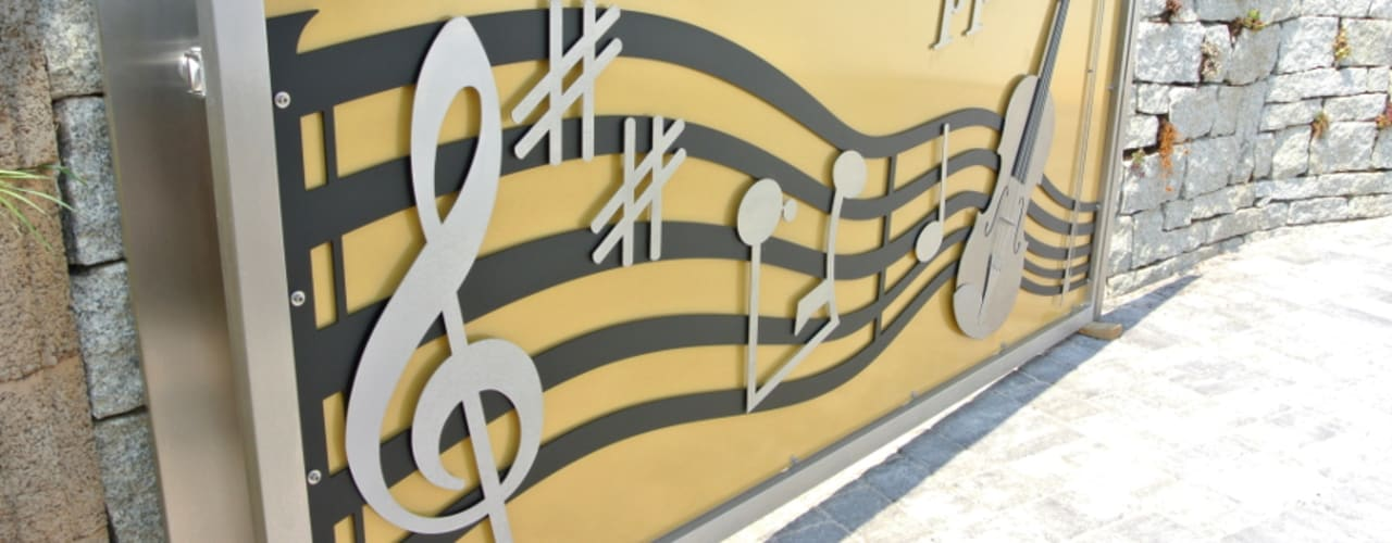 Stainless Steel Music Gate Сад в стиле модерн от Edelstahl Atelier Crouse: Модерн