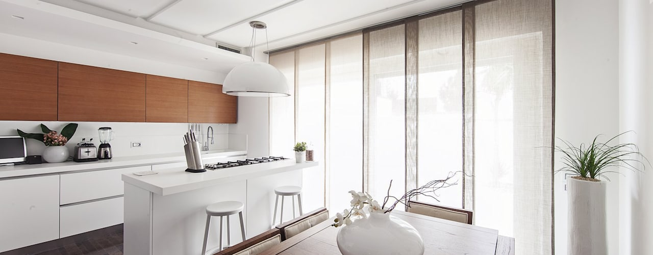 Modern style kitchen by Andrea Stortoni Architetto Modern