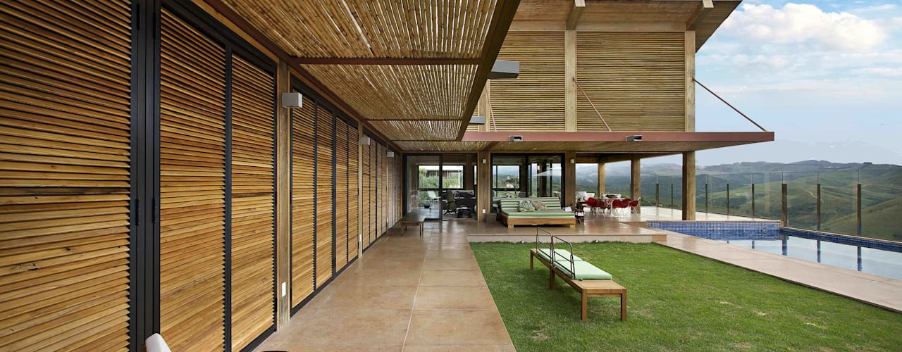Mountain House by David Guerra Arquitetura e Interiores Rustic