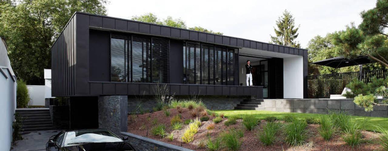 Casas de estilo  por Lode Architecture