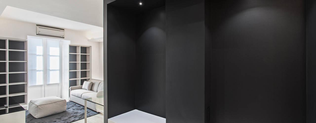 Walls by Arch. Andrea Pella, Modern