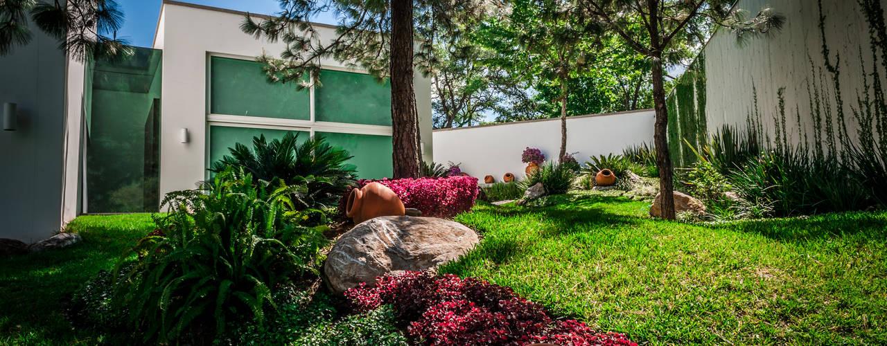 Jardines de estilo  por Urban Landscape
