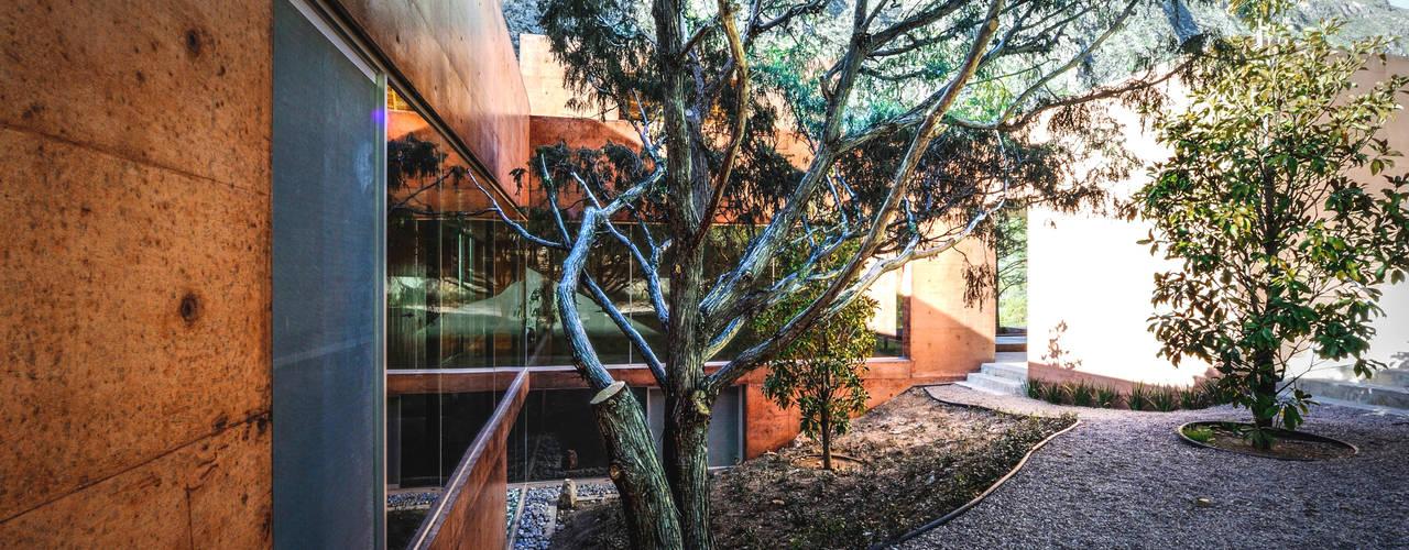 Narigua House Jardines de estilo moderno de P+0 Arquitectura Moderno