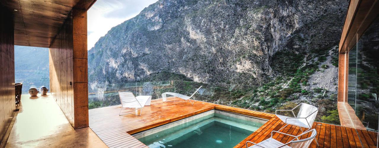 Casa Narigua Balcones y terrazas modernos de P+0 Arquitectura Moderno