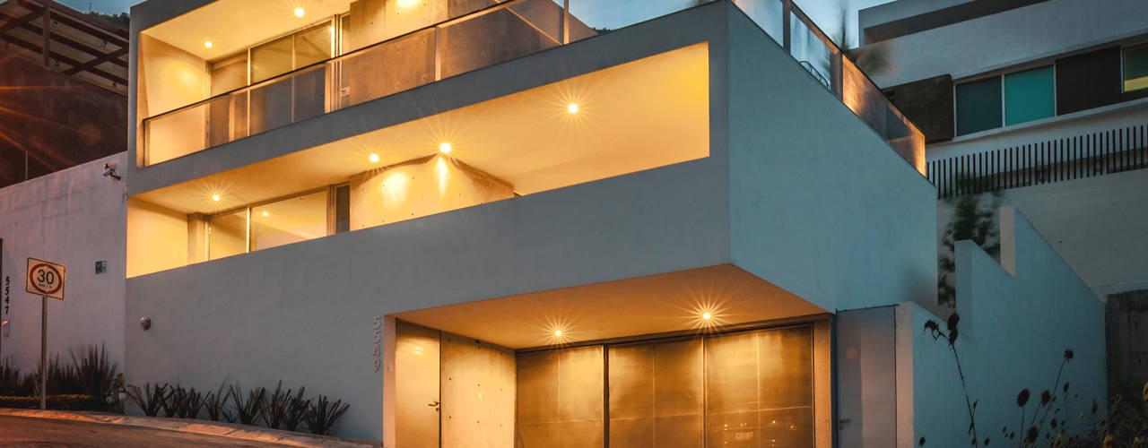 Maisons de style de style Moderne par P+0 Arquitectura