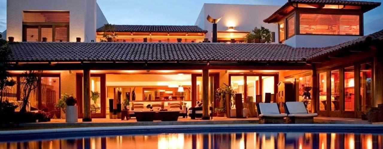 บ้านและที่อยู่อาศัย by Taller Luis Esquinca