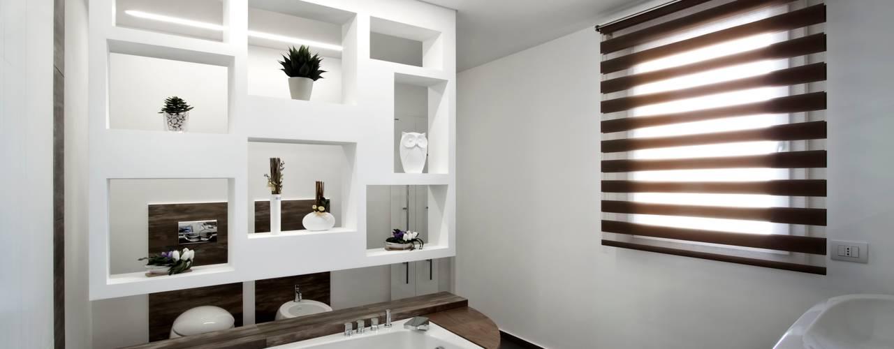 Phòng tắm theo Laboratorio di Progettazione Claudio Criscione Design ,