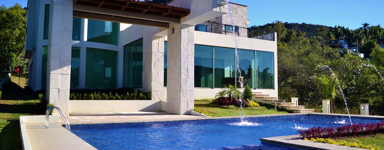 Pool by Excelencia en Diseño