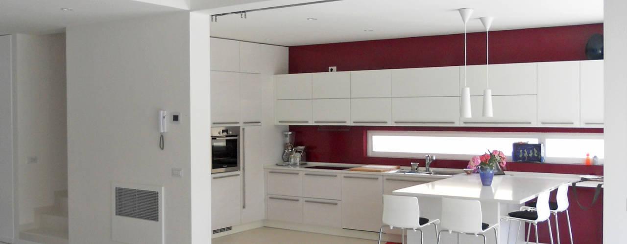 Modern Kitchen by VALERI.ZOIA Architetti Associati Modern