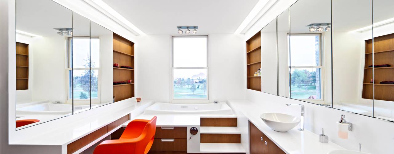 Baños de estilo minimalista de ARQUITECTURA EN PROCESO Minimalista