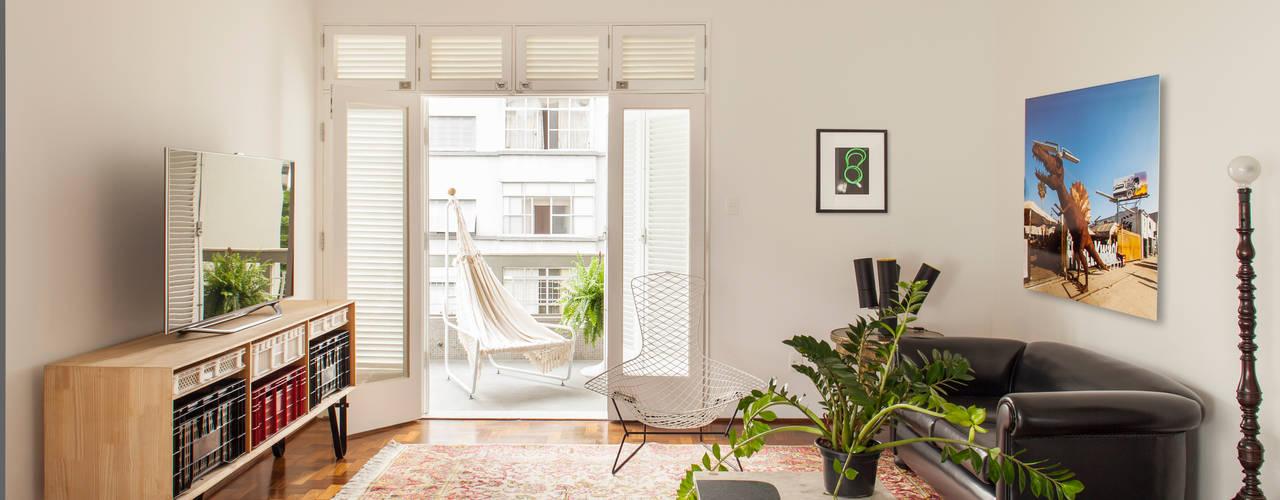 Salas de estilo ecléctico de Mauricio Arruda Design Ecléctico
