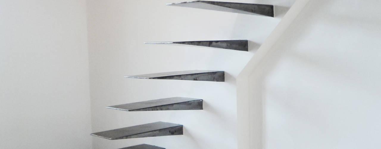 SCALA IN FERRO ARCHITETTURE & DESIGN Ingresso, Corridoio & ScaleScale