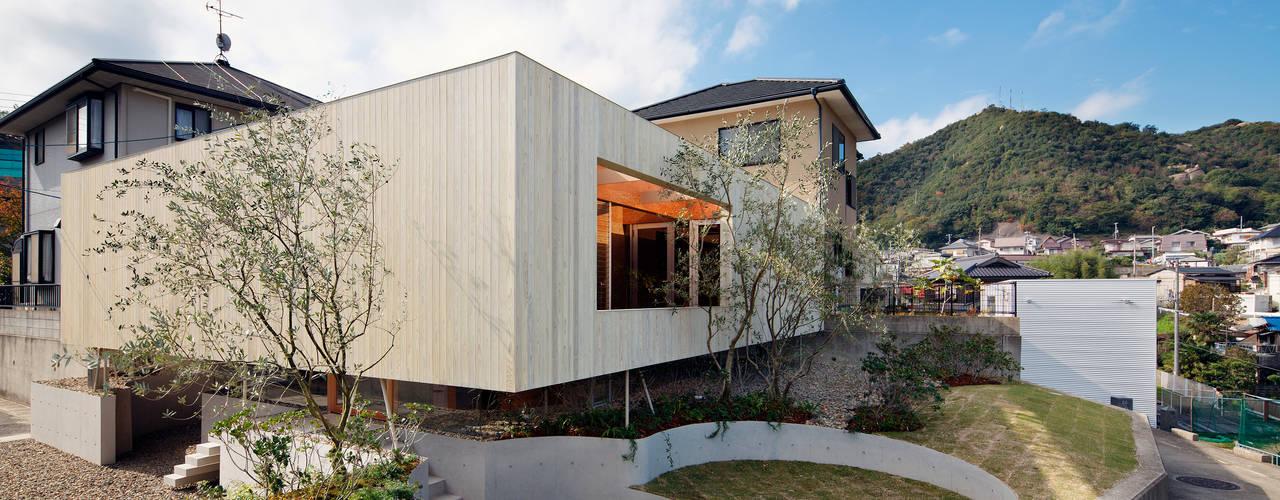 Pit house Moderne huizen van UID Modern