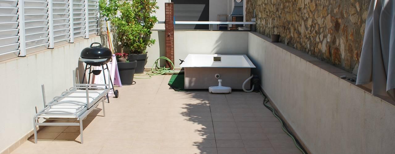 Terrace by Vicente Galve Studio, Mediterranean